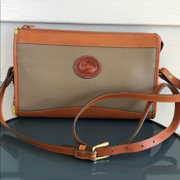 Dooney & Bourke Handbags - Vintage Dooney & Bourke purse bag satchel brown